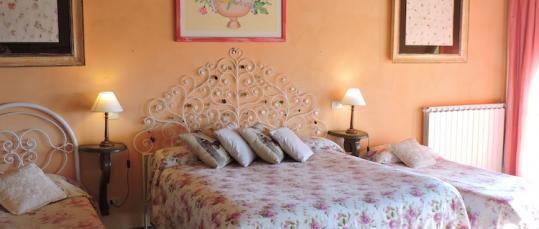 Letti camera Etrusca Casale Fedele Bed and Breakfast