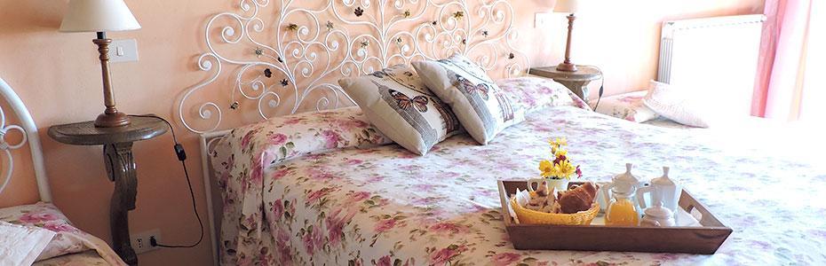 Room Etrusca - Casale Fedele B&B, Ronciglione, Viterbo, Lazio